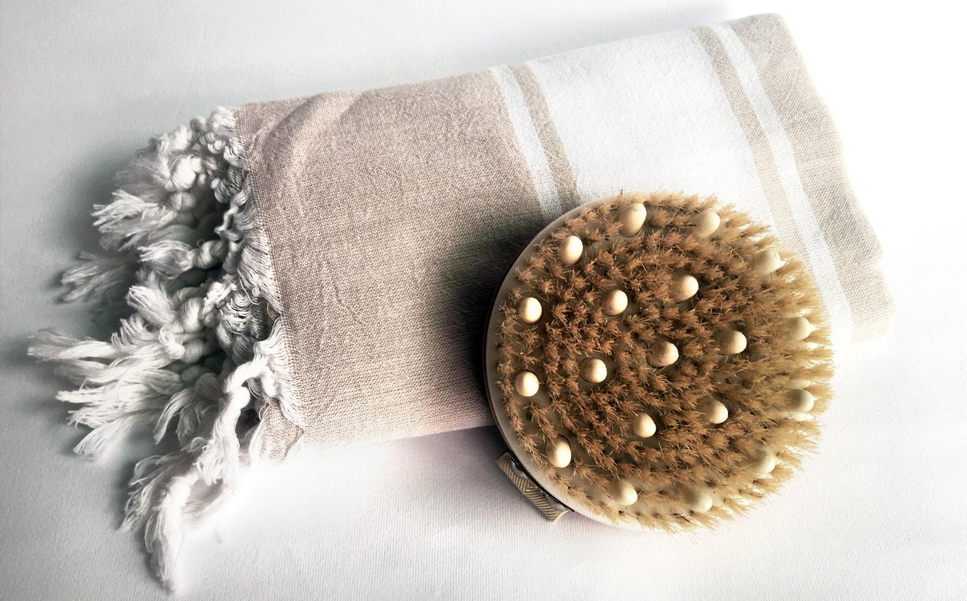 Dry brushing: scopri cos'è e perché non possiamo farne a meno