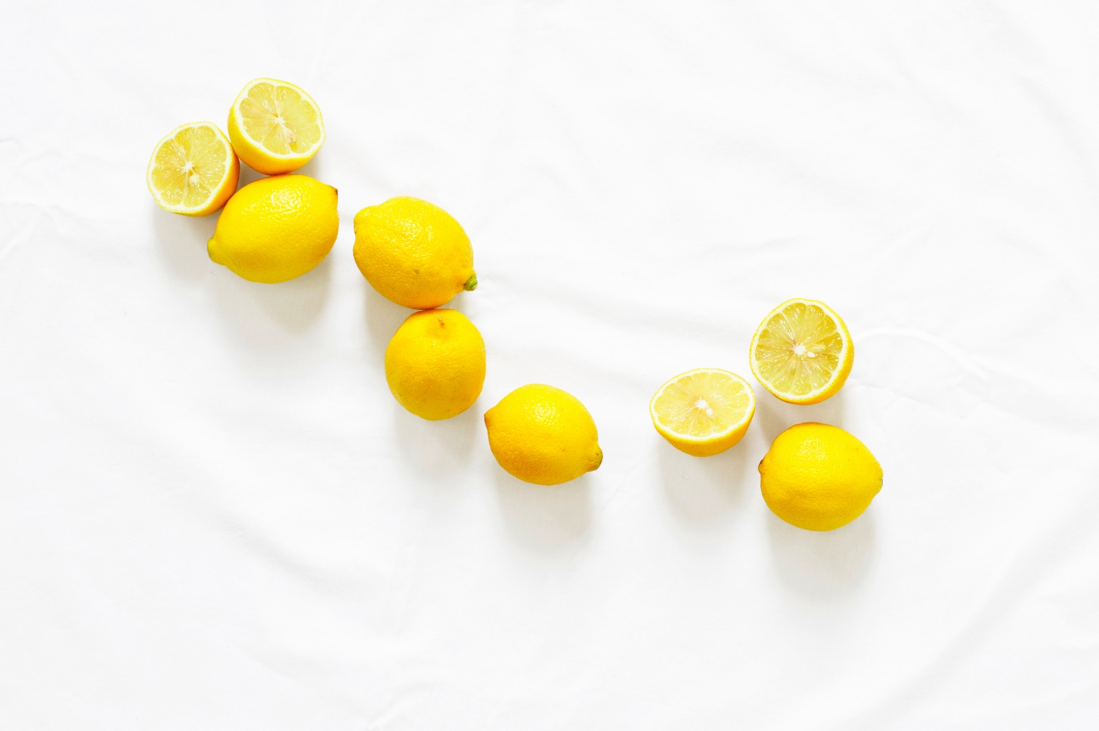 WATER AND LEMON: DETOX MADE EASY