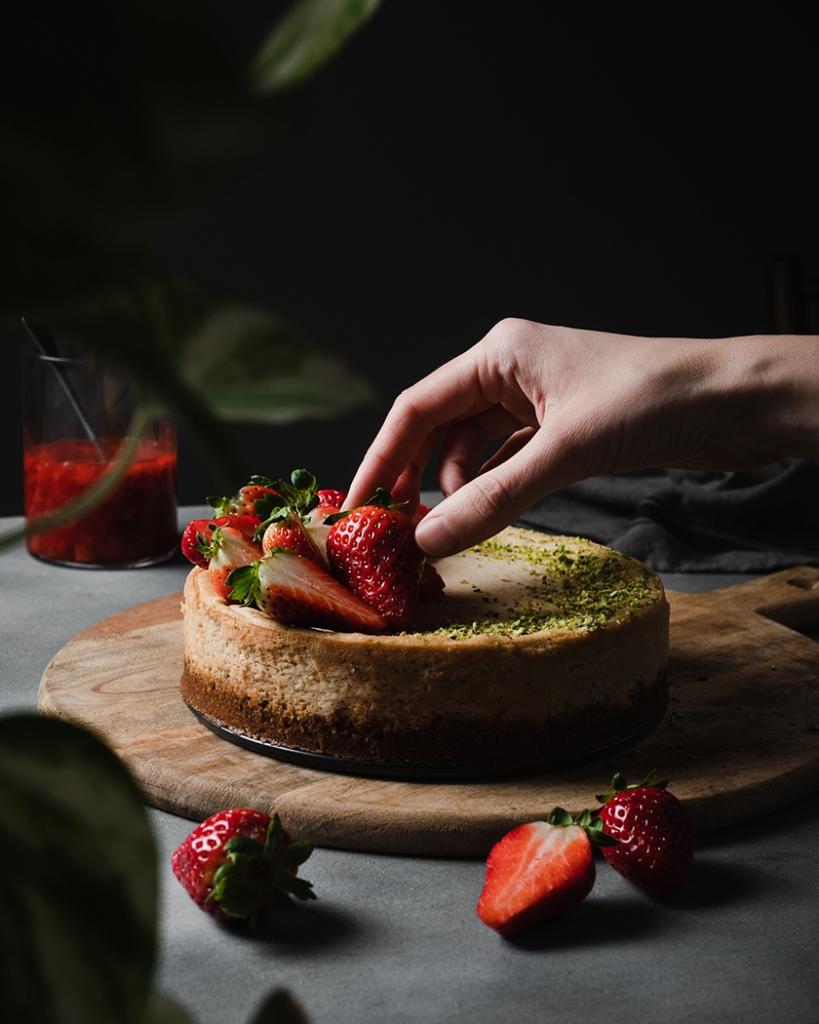 Cheesecake Vegana Con Fragole E Pistacchi